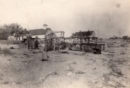 USA? Village Campagne Pere Et Fils Cages A Poules Ou Lapins?  Ancienne Photo 1920