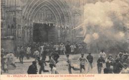 VALENCIA  EXPLOSION DE UNA TRACA POR LOS ALREDEDORES DE LA CATEDRAL - Espagne
