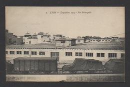 DD / TRANSPORTS / CHEMINS DE FER / WAGONS D'UN TRAIN DE LMARCHANDISES À LA FOIRE EXPOSITION DE LYON EN 1914 - Trains