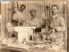 Photographie De Métier, Plombier Au Travail, Photo De Charles Boubinet Vers 1930, Plomberie - Métiers