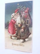 PERE NOEL ROBE GRIS VERT HOTTE DE JOUETS POUPEE SAPIN.  ENFANT FILLETTE PARLANT A L OREILLE DU PERE NOEL. GAUFREE  CPA - Santa Claus