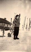"""Photo Originale Pin-up En Tenue De Ski """" Chez La Tante """" Le Mont D'Arbois En Mars 1955 à Megève - Pin-up"""