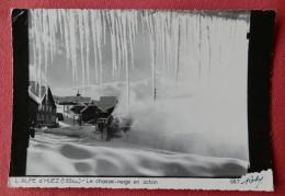 Dep 38 , Cpsm  L'ALPE D'HUEZ (1850 M.) , Le Chasse Neige En Action , 687  (424) - France