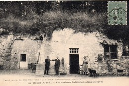 Le Guédeniau.. Baugé.. Animée Habitations Dans Les Caves - Other Municipalities