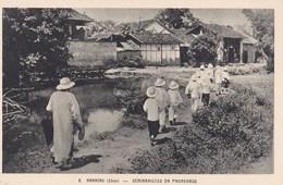 2 Cartes Postales Cpsm : Séminaristes En Pays De Mission Nanning Et Laohokow - China