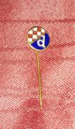 NK DINAMO ZAGREB CROATIA, ORIGINAL VINTAGE ENAMEL PIN BADGE FOOTBALL SOCCER - Fussball