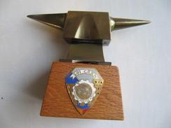PETITE ENCLUME En LAITON  501 CRRM - Armes Blanches
