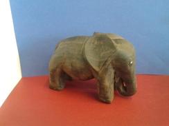 Eléphant Africain En Bois PAU SANTO Ancien - Poids- 566.41gr - Afrikanische Kunst