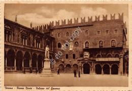 Cartolina Verona Piazza Dante Palazzo Del Governo Animata - Verona