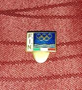 ITALIAN SWIMMING FEDERATION, ORIGINAL VINTAGE ENAMEL BUTTONHOLE PIN BADGE - Nuoto