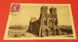 CARTE POSTALE GUERRE DE 14 : REIMS LA VILLE RENNAISSANTE , ETAT VOIR PHOTO  . POUR TOUT RENSEIGNEMENT ME CONTACTER. REGA - Guerre 1914-18