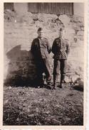 Foto 2 Deutsche Soldaten - Tahisdjakwa - 2. WK - 8*5cm (28171) - War, Military