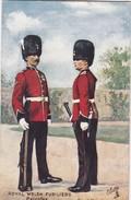 POSTCARD ENGLAND UK  UNIFORM , ROYAL WELSH FUSILERS, PRIVATES - MILITAR MILITARY MILITAIRE - Regiments