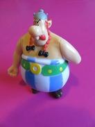 021 - Figurine Quick Astérix - Obélix Bras Articulé Par Remontoir - Asterix & Obelix