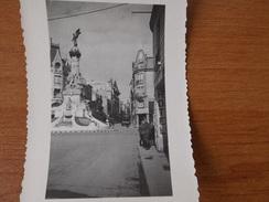 REIMS WW2 SOLDATS ALLEMANDS  PLACE DROUET D ERLON  HOTEL MAGASIN STATUE LA GLOIRE - Non Classés