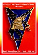 SUPER PIN´S MILITARIA : REGIMENT CONDE DRAGONS-CAVALERIE En Bel émail Cloisonné Base Or, Signé PBDM, 3X1,9cm - Militares