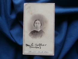 Photot CDV Benedict,  Seville Ohio - Femme (Mrs H. Collier) Circa 1860-65 L305A - Ancianas (antes De 1900)