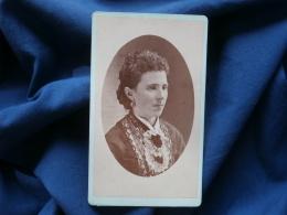 Photot CDV J.C. Miller, Waynesville, Ohio - Femme Portrait En Médaillon, Circa 1880 L305A - Anciennes (Av. 1900)