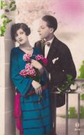 COUPLE AVEC ROSES N° 972 M - Couples