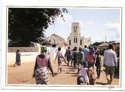 Afrique : Benin Ouidah Temple Des Pythons Et Basilique : Cohabitation (ed Happy) - Benin