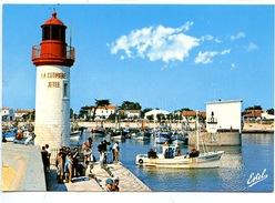 Ile D´Oléron : La Cotinière Le Phare De La Jetée (n°2739 Estel Cp Vierge) Bateaux Pêche Chalutier - Ile D'Oléron