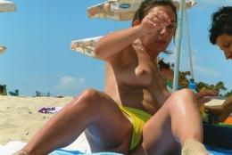 Pin Up Sonnenbad Beach - Pin-ups