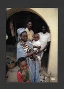 AFRIQUE - AFRIQUE EN COULEURS - FAMILLE AFRICAINE - CLICHÉ JR. COURADETTE PAR IRIS - Cartes Postales