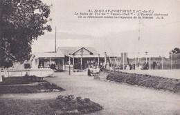 Carte Postale :  St Quay-Portrieux   Le Sqlon De Th2 Du Tennis Club  ;;;;;;    Ed    A B  N° 41 - Saint-Quay-Portrieux