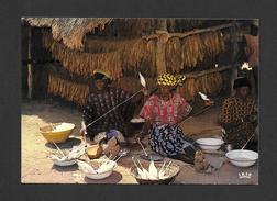AFRIQUE - AFRIQUE EN COULEURS - FILAGE DU COTON - CLICHÉ P. CHARETON PAR IRIS - Cartes Postales