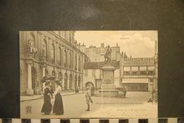 CP, 21, DIJON, PLACE RAMEAU ET ENTREE DU MUSEE EDITION DE LA MENAGERE, ANIMEE - Dijon