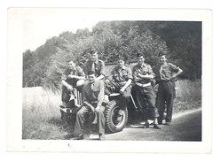 Photo Soldats Devant Jeep - Guerre, Militaire
