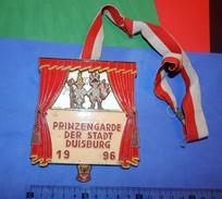 Huge ''Schutz'' Medal: PRINZENGARDE DER STADT DUISBURG 1996. - Autres