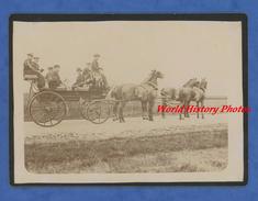 Photo Ancienne - Superbe Attelage D'une Famille Bourgeoise - Homme Avec Cor De Chasse - Cheval Horse Diligence Calèche - Photographs