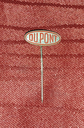 DUPONT- ORIGINAL VINTAGE PIN BADGE - Markennamen