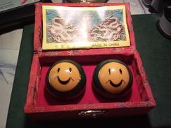 "BOULES MOTIF ANCIEN "" SMILEY "" CHINOISES MUSICALE Q I - Gong Comme Neuve ! - Asian Art"