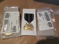 10 US Coast Guard Marksman Medals Mint - USA