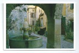 Séguret La Fontaine Des Mascarons - France
