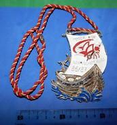 Huge ''Schutz'' Medal: IMMER AUF NARRISCHEM KURS 86/87 - Voile