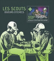 Central African Republic. 2013 Scouts Playing Chess. (412b) - Scouting