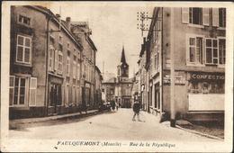 Faulquemont Rue De La République Magasin Confection - Faulquemont