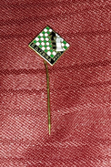 CHESS CLUB IZBIRA PTUJ SLOVENIA- ORIGINAL VINTAGE ENAMEL PIN BADGE - Badges