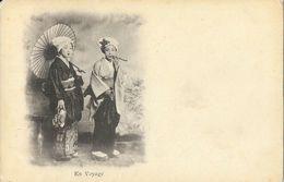 Japon - Jeunes Femmes Japonaises Avec Ombrelle: En Voyage - Carte Précurseur Non Circulée - Asie