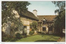 Warwickshire  Stratford-upon-Avon  Shakespeare`s Birthplace From The Garden - Scrittori
