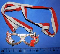 Huge ''Schutz'' Medal: KINDER PRINZEN PAR 2003/2004 DUISBURG - Théatre & Déguisements