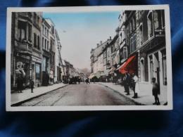 St Avold  Rue Hirschauer - Débit De Tabac, Pharmacie, Confiserie - Colorisée  - Animée - Circulée 1954 - L308 - Saint-Avold