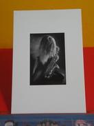 Cartes Postales >Photographes > Photo > La Fille Au Saxo, Sexy Saxo, Par Éric Fesseidre -Non Circulée - Illustrators & Photographers