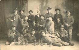 CARTE PHOTO MINEURS BELGES DU BORINAGE AU TEMPLE DE NIMES  18/03/1934 AVEC LE PASTEUR AU CENTRE - Bergbau