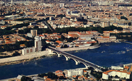 TOULOUSE  /  31      /  VUE GENERALE   CPM / CPSM 10 X 15 - Toulouse