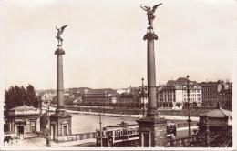 2 ALTE  Foto- AK   PRAG / Tchech.   - Tschechen Brücke Mit Strassenbahn  -  Gelaufen Ca. 1930 - Czech Republic