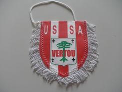 Fanion Football - USSA VERTOU - LOIRE ATLANTIQUE - Habillement, Souvenirs & Autres